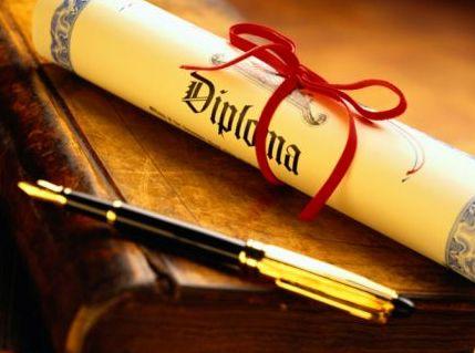 diploma-ed-16147310.jpg