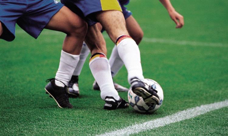 futebol-el-hombre-31811191.jpg