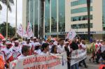 greve-geral-bancarios-protestam-contra-reformas-19-5106152.jpg