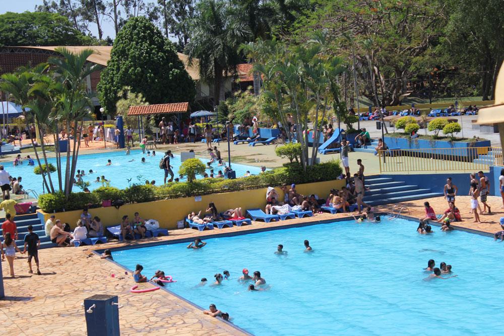 piscina-11871916.jpg