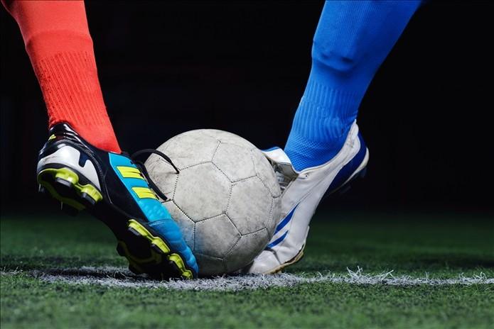 soccer-player-2536525-15831819.jpg